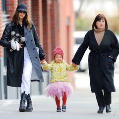 Irina Shayk bummelt mit ihrer Tochter und ihrer Mutter durch New York