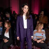 Alessandra de Osma, die Frau von Prinz Christian von Hannover, zählt zu den Gästen der Mercedes Benz Fashion Week in ihrer Wahlheimat Madrid. In einem lila Zweiteiler und einer weißen Bluse beweist sie, wie stylisch schlichte Eleganz sein kann.