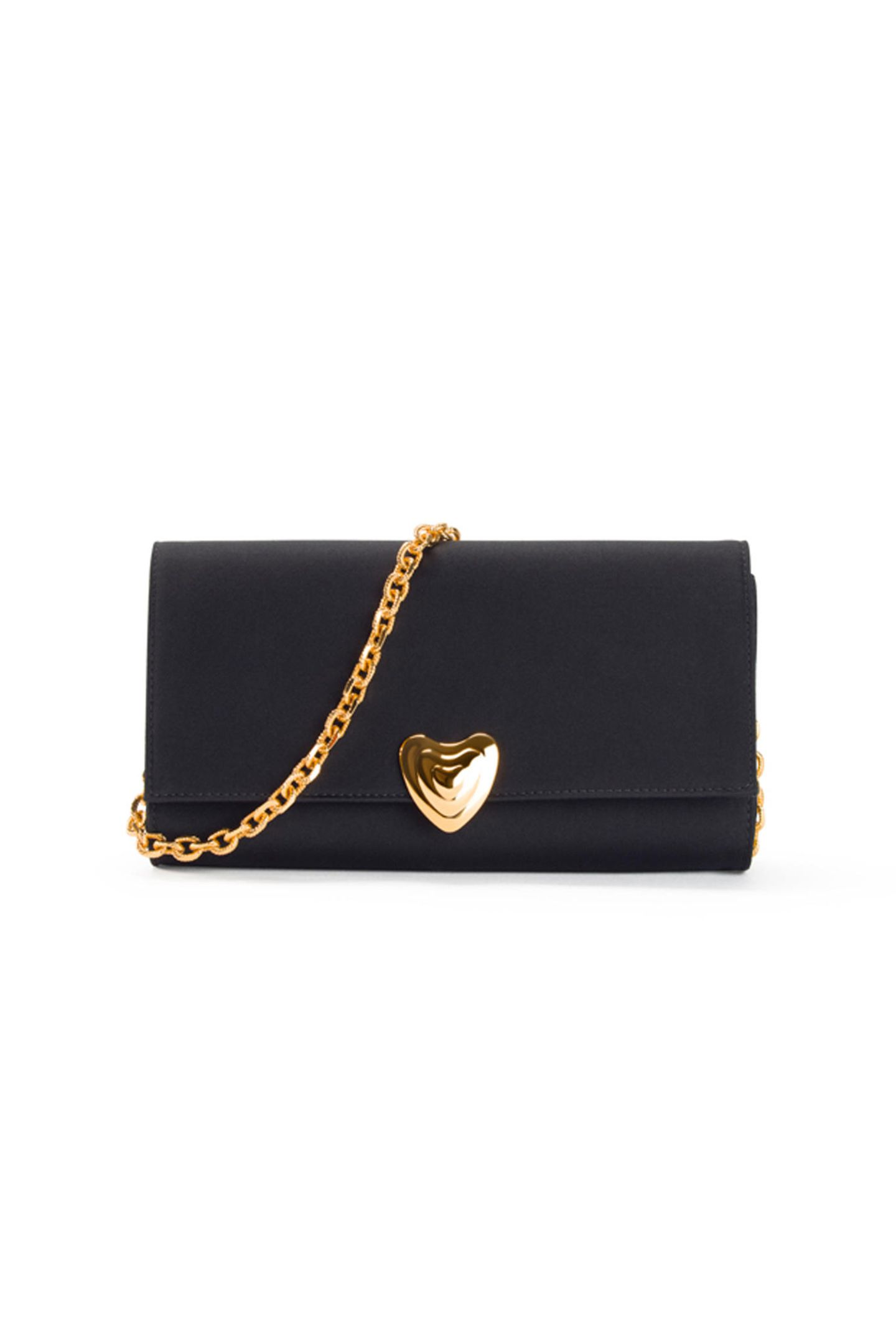 """Das """"kleine Schwarze"""" gilt als Inbegriff für Stil und Eleganz - das beweist auch diese Tasche. Dank der goldenen Herzschnalle und dem goldenen Kettchen wird sie zum absoluten Hingucker und rundet jeden Date-Look ab! Von Escada, 499 Euro"""