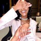 """Auch Jourdan Dunn hat """"Ja"""" zu ihrem neuen Freund gesagt. Das """"Victoria's Secret""""-Model und ihr mysteriöser """"Lebenspartner"""", wie sie ihn auf Instagram nennt, kennen sich seit letztem Jahr. Jetzt hält sie stolz und glücklich den funkelnden Ring in die Kamera!"""