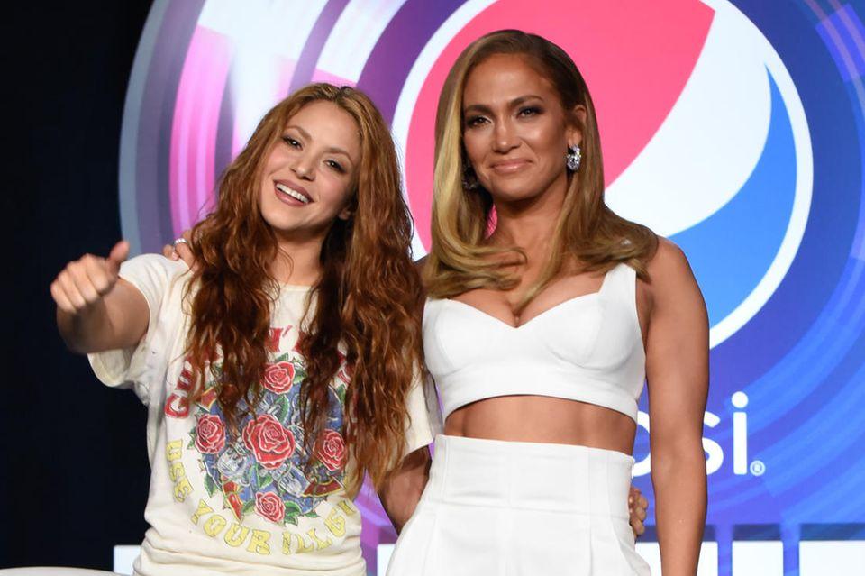 Shakira + Jennifer Lopez