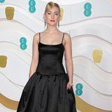 Schwarz ist die wohl häufigste Robenfarbe bei den BAFTAs. Auch Saoirse Ronan setzt darauf. Sie trägt Gucci.