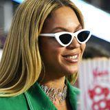 Mama Beyoncé ist nicht weit. Sie hatte vier Jahre zuvor Millionen Zuschauer in der legendären Halbzeitshow begeistert.