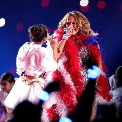 EmmeMaribel Muñiz und ihre Mama Jennifer Lopez beim Super Bowl 2020.