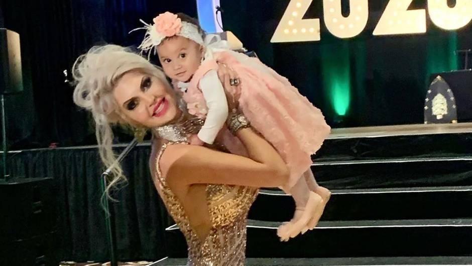 Sophia Vegas und TochterAmanda Jacqueline Charlier