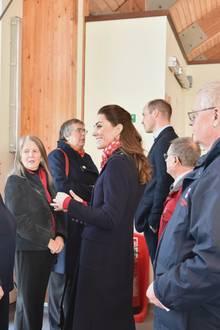 """Herzogin Catherine und Prinz William in der """"Mumbles Lifeboat Station"""""""