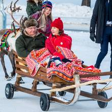 König Carl Gustaf und Königin Silvia feiern den samischen Nationalfeiertag in Jokkmokk