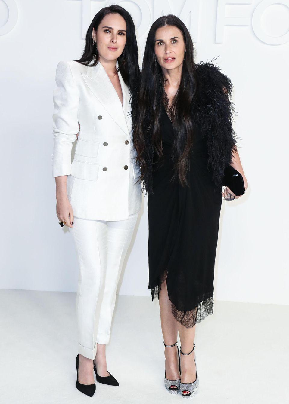 Für die Show des US-amerikanischen Designers sind auch Rumer Willis und Mama Demi Moore angereist.
