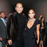 7. Februar 2020  Nicht nur die Fashion Show von Tom Ford in New York mit Stars beladen, auch beim anschließenden Cocktailempfang tummeln sichHochkaräter wie Alex Rodriguez und Jennifer Lopez.