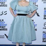 Eisprinzessin im Fifties-Style: Beanie Feldstein trägt Markarian.