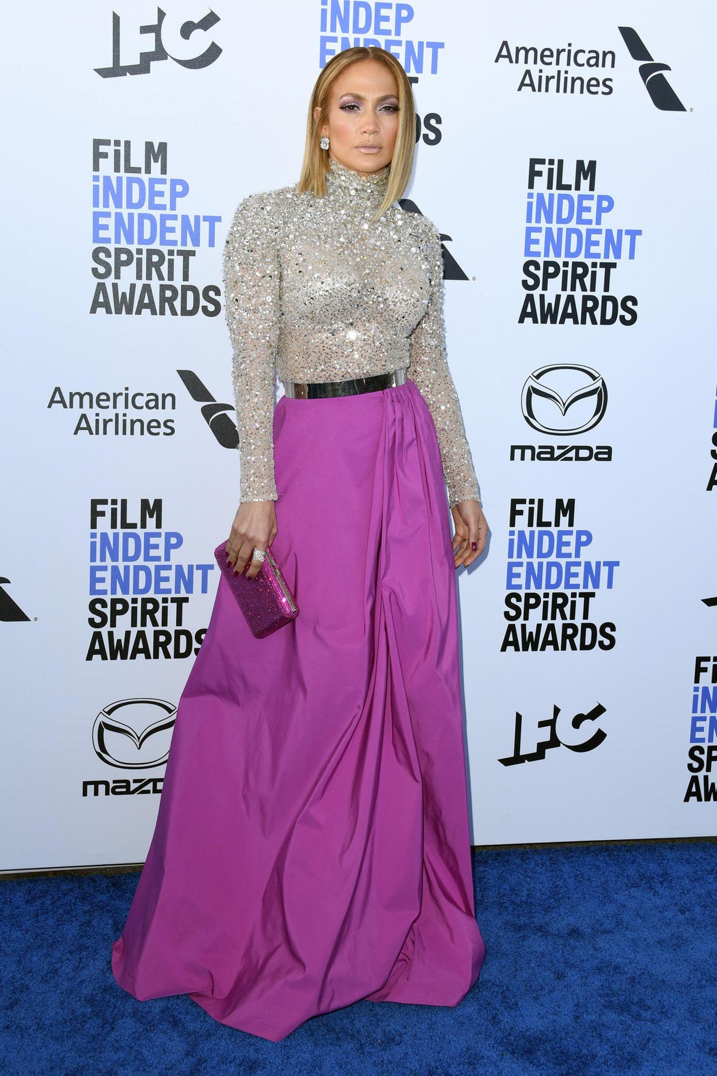 Glamour und Farbe: Jennifer Lopez in Valentino