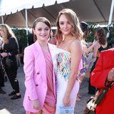 Schwesternpower in Rosa: Joey und Hunter King trgen Outfits von Oscar de la Renta.