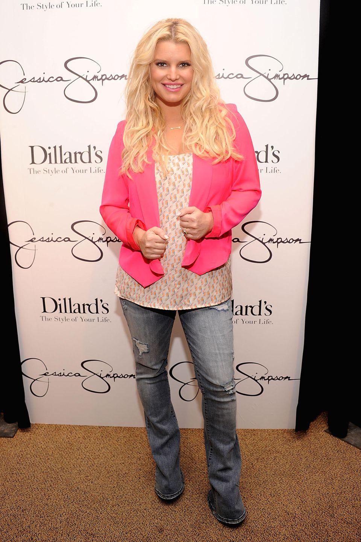 """Nach der Geburt ihrer Tochter Maxwell im Jahr 2012 versuchte Jessica Simpson ihre überschüssigen Pfunde mithilfe von """"Weight Watchers"""" zu verlieren."""