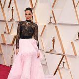 Zuckersüß mit schwarzer Spitze: Gal Gadot in Givenchy Haute Couture