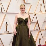 Farblich geht Greta Gerwig im klassischen Look von Christian Dior Haute Couture etwas unter.