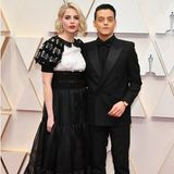 Rami Malek mit  Partnerin Lucy Boynton bei den Oscars