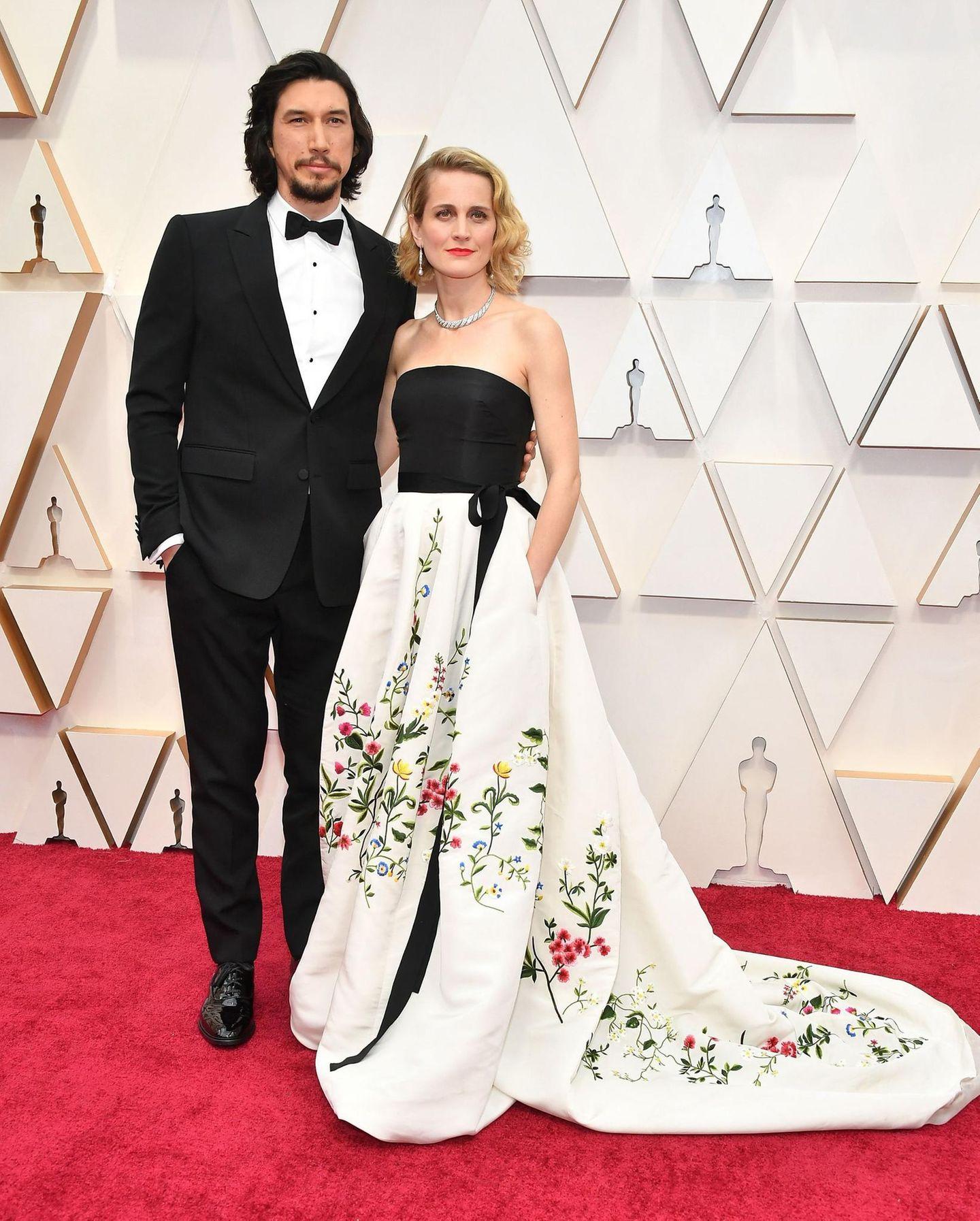 Adam Driver, für ein Scheidungsdrama mit dem Oscar nominiert, hat im echten Leben mehr Glück in der Liebe und sieht mit seiner FrauJoanne Tucker einfach gut aus auf dem roten Teppich.