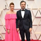 Ja ist denn jetzt schon Valentinstag? Mark Ruffalo und seine Frau Sunrise Coigney kommen im verspielt romantischen Look zu den Oscars.