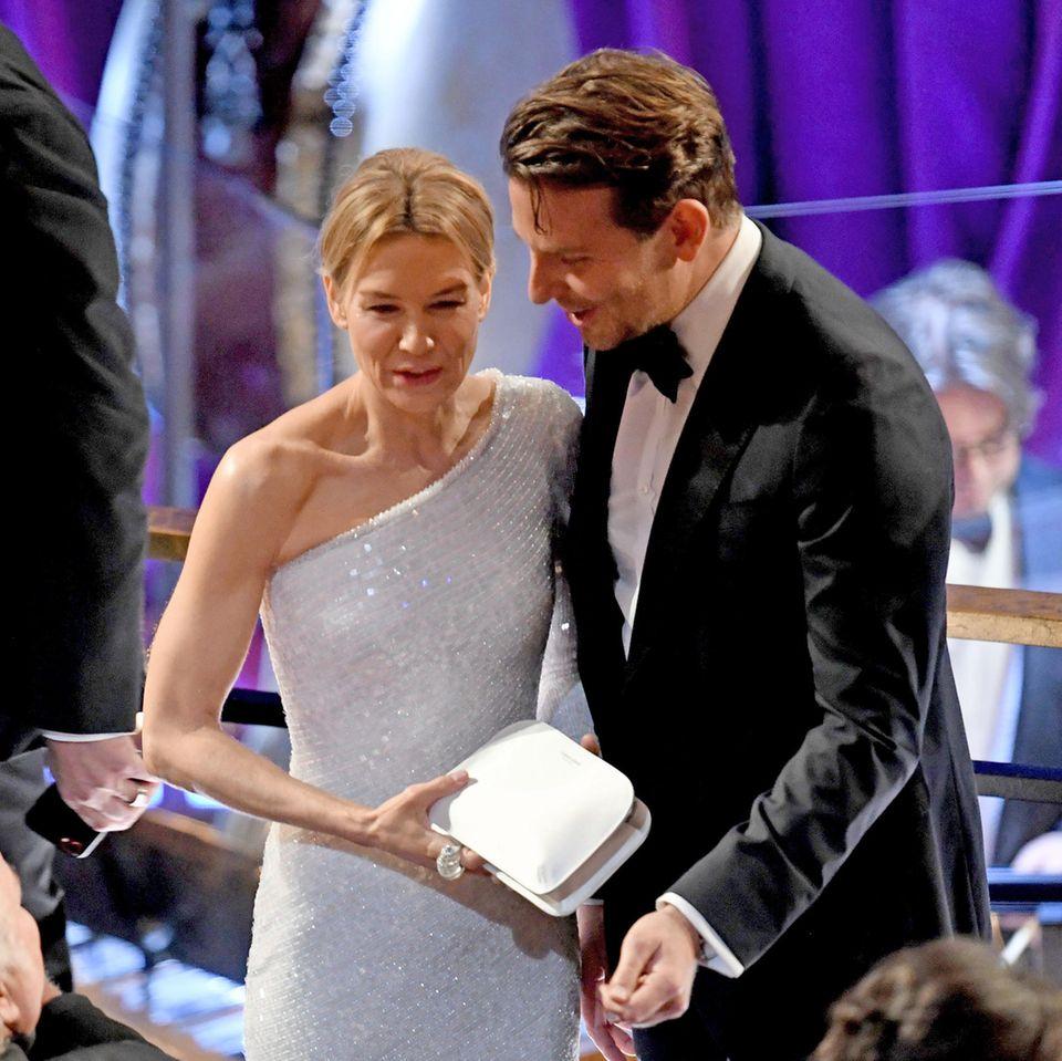 Renée Zellweger + Bradley Cooper
