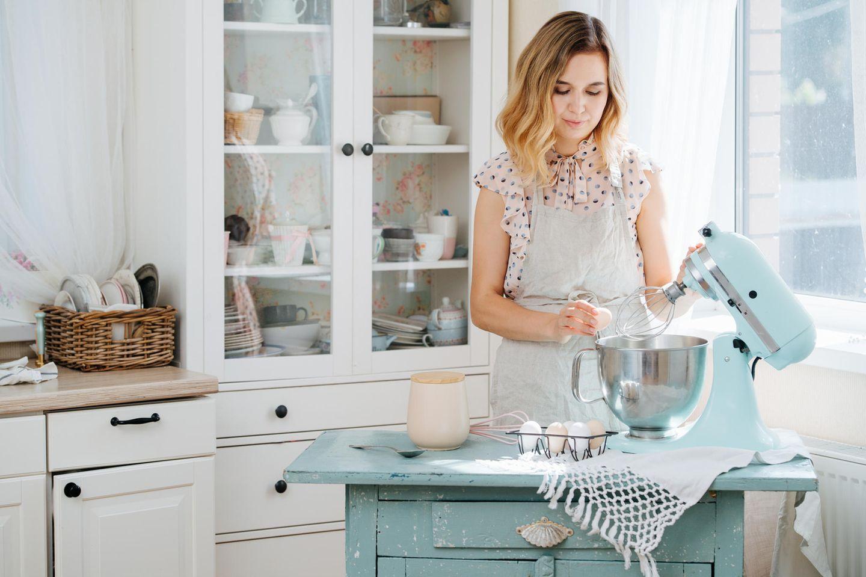 Küchenmaschine, Backen, junge Frau, Zutaten