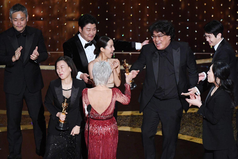 """Die Produzenten von """"Parasite"""" erhalten ihren Oscar"""