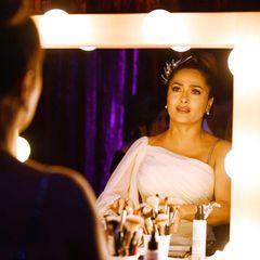 Salma Hayek bereitet sich Backstage auf die Oscar-Verleihung vor