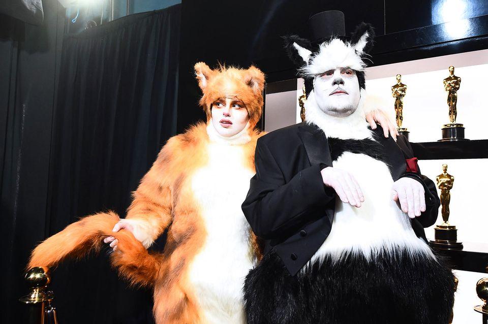 Rebel Wilson + James Corden als Katzen verkleidet bei der Oscar-Verleihung