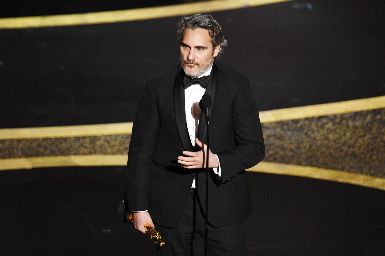 Joaquin Phoenix erhält einen Oscar