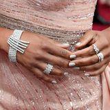 Regina Kings spektakulärer Diamantschmuck stammt vom Top-Juwelier Harry Winston und wiegt zusammen mehr als sechs Karat.