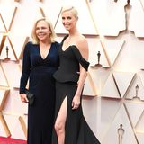 Charlize Theron mit ihrer Mutter bei den Oscars