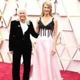 Auch bei Oscar-Preisträgerin Laura Dern heißt es auf dem roten Teppich: Nicht ohne meine Mama!