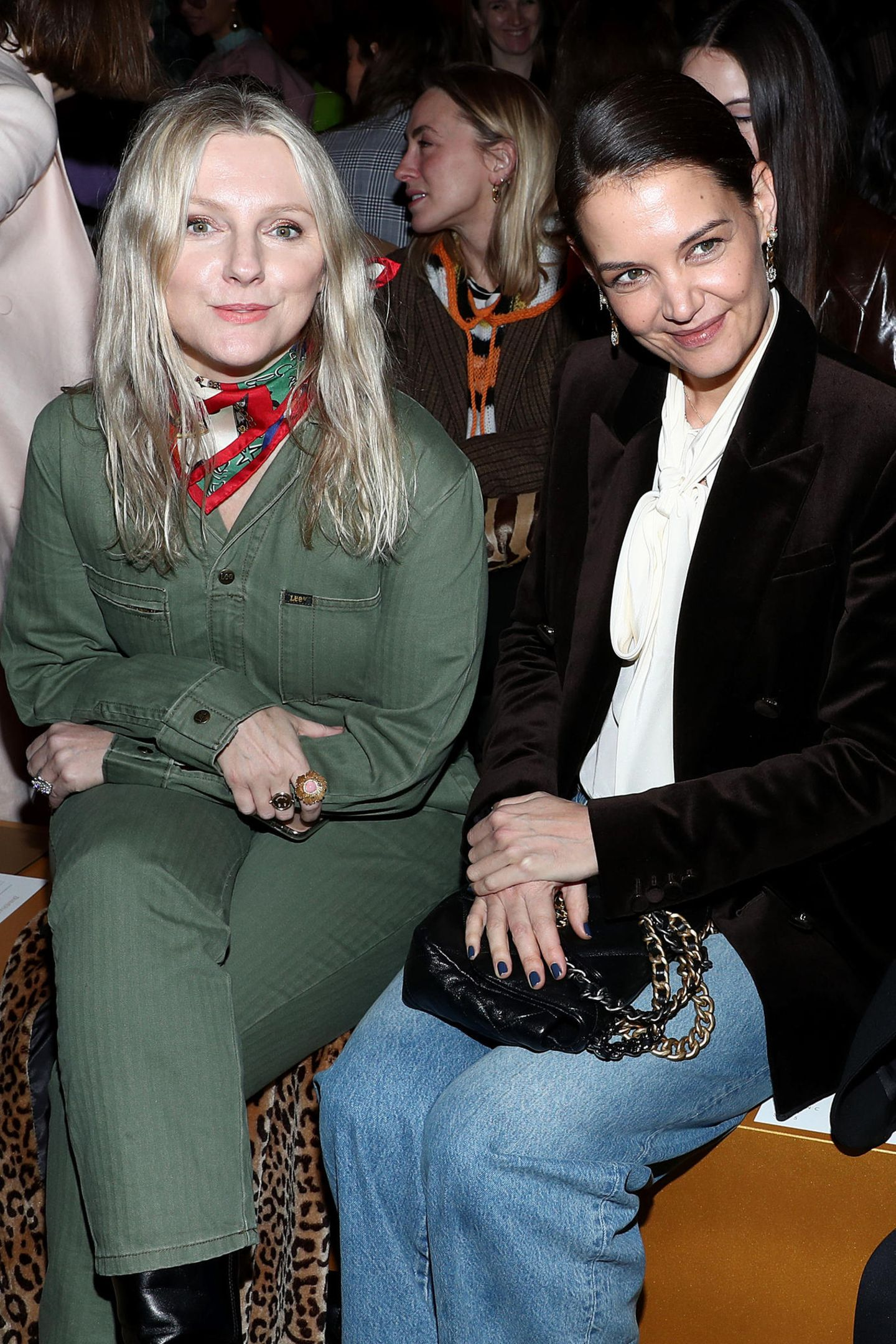 Auch Laura Brown und Katie Holmes ließen sich die Schau nicht nehmen.