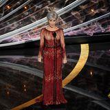 Jane Fonda sah in ihrer roten Robe von Elie Saab umwerfend aus – sie trug sie schon einmal 2014.