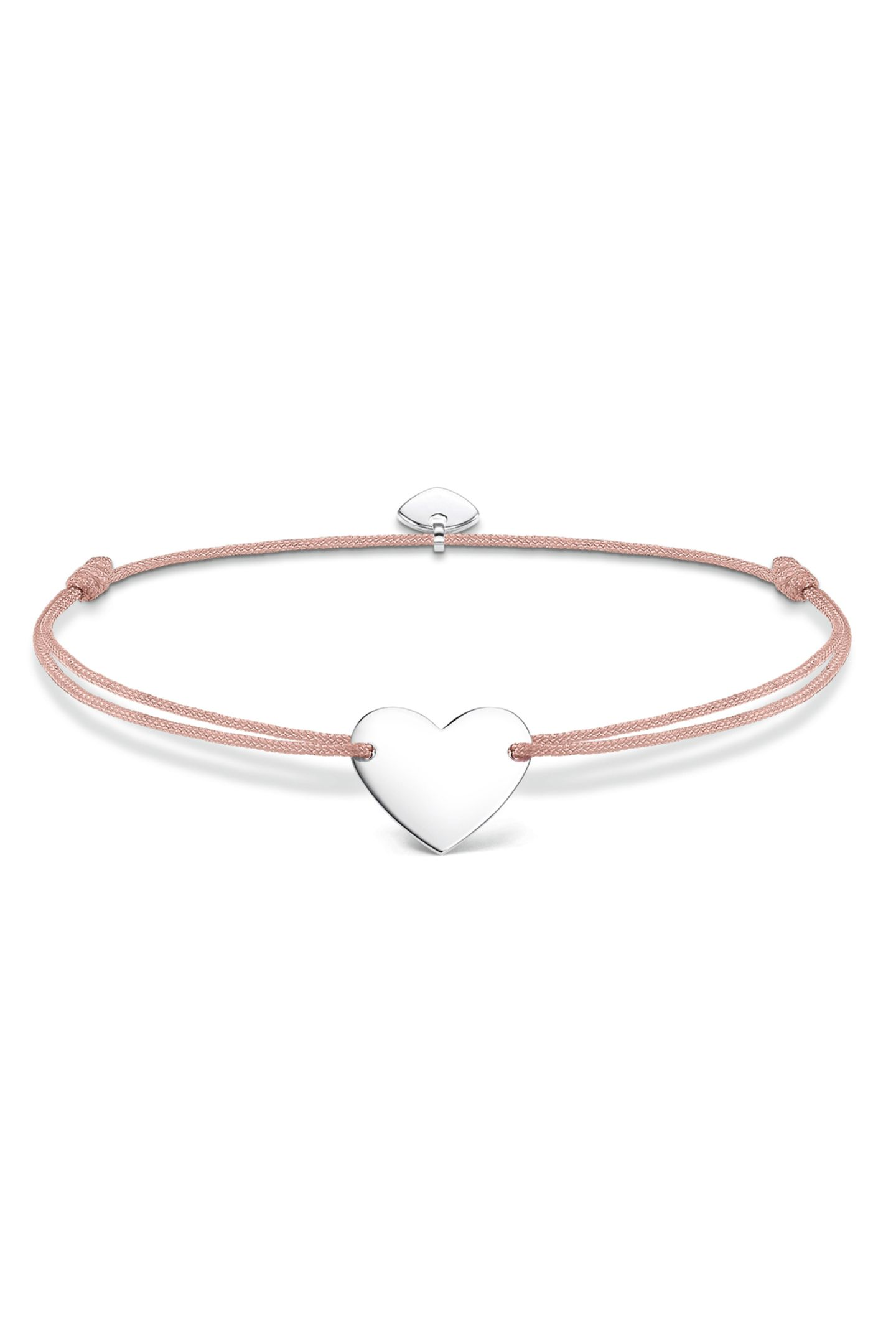 Show your love: Dieses Armband von Thomas Sabo mit Herz-Anhänger ist das perfekte Geschenk für Ihre Liebsten. Auf Wunsch lässt sich das Herz auch gravieren. Ca. 39 Euro.