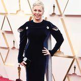 An sich ein tolles Kleid. Olivia Colman kommt imStella-McCartney-Kleid zur Oscar-Verleihung. Allein die Cut-Outs im Schulterbereich sorgen für eine unvorteilhafte Silhouette.
