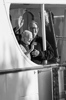 13. Februar 2020  Dänemark in Trauer: Vor zwei Jahren nahm Prinz Henrik Abschied, im Sommer zuvor entstanden noch dieses fröhliche Bild des ehemaligen Prinzgemahls mit seiner Frau Königin Margrethe während der Geburtstagsfeier für Prinz Nikolai auf der königlichen Jacht.