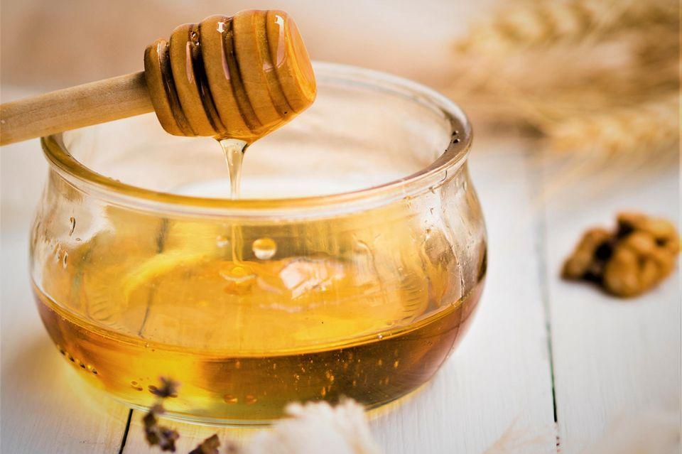 Honig gegen trockene Lippen