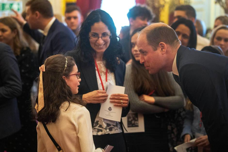 Prinz William im Gespräch mit der zehnjährigen Emma Webster.