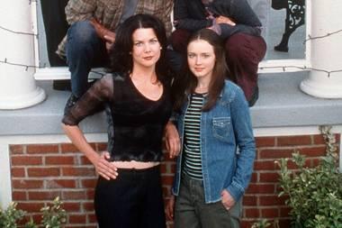 """Sieben Staffeln und eine Fortsetzung als Mini-Serie lang begeistertenuns die """"Gilmore Girls"""" mit ihren Familien und Freunden aus Stars Hollow. Lorelai Gilmore hat sich gerade mal wieder mit ihrer besten Freunden Sookie getroffen."""