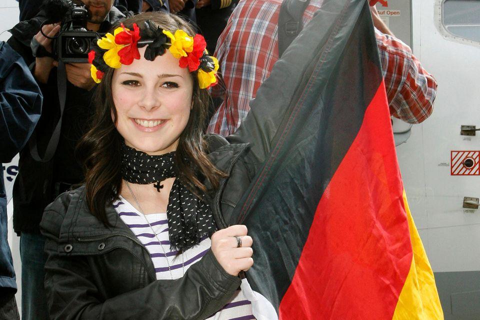 Lena Meyer-Landrut nach ihrem ESC-Sieg bei der Ankunft in Hannover am 30. Mai 2010