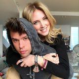 Star-Influencerin Chiara Ferragni hat mit Ehepartner Fedez ihr Liebesglück gefunden. Regelmäßig lässt sie ihre 18 Millionen Follower an ihrem Familienleben teilhaben. Zum Valentinstag widmet sie ihrem Liebsten eine kleine Fotogalerie auf Instagram mit Schnappschüssen wie diesem.