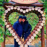 Keith Urban und Nicole Kidman sindseit15 Jahren ein Paar. Den diesjährigen Valentinstag kröntein herzallerliebstes Pärchenfoto aus dem Vergnügungspark.