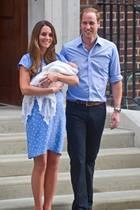 Herzogin Catherine und Prinz William mit Baby-Prinz George am 23. Juli 2013 vor dem St Mary's Hospital in London.