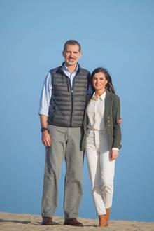 14. Februar 2020  Felipe und Letizia präsentieren sich während ihres Termins locker und entspannt den Kameras. Wie passend, dass diese schönen Paar-Fotosam Valentinstag entstehen.