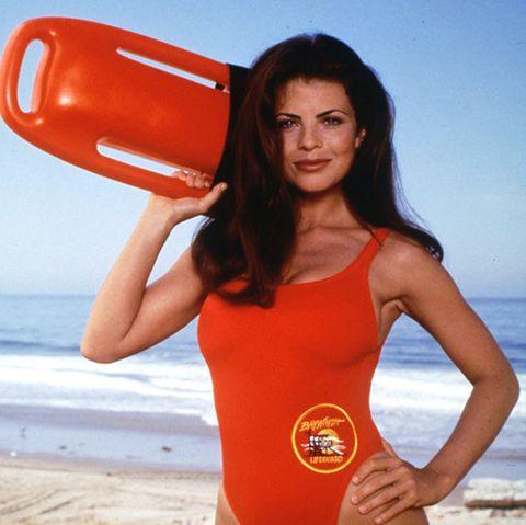 """Yasmine Bleeth spielte von 1993 bis 1997 die Figur """"Caroline Holden"""" in der US-Erfolgsserie """"Baywatch""""."""
