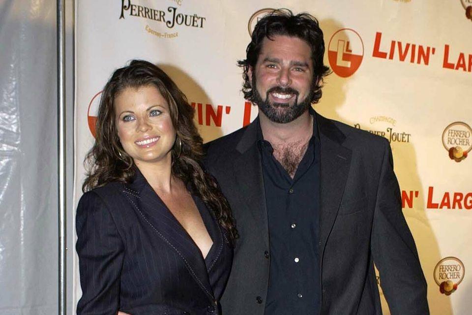 Yasmine Bleeth und Ehemann Paul Cerrito auf der Verlobungsparty von Carmen Electra und Dave Navarro in Los Angeles im Jahr 2006.