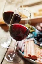 Migräne-Auslöser? Ganz klar Rotwein und Käse!