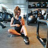Sportlich, sportlich - Anna Lewandowska hält die Schwangerschaft nicht vom Fitnessstudio fern. Liebevoll streichelt sie ihren Bauch, die Zeit beim Training gehört nur ihr und ihrem Kind.