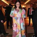 Das außergewöhnlichste Kleid des Abends trägt Schauspielerin Lea van Acken.