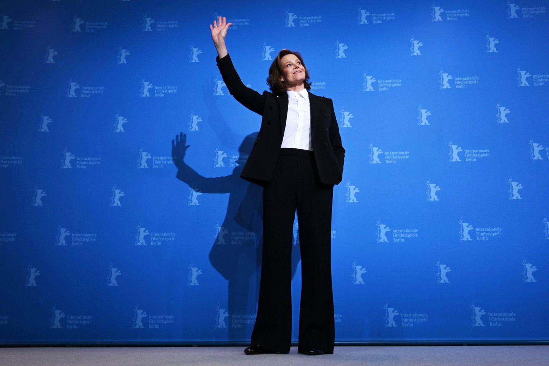"Sigourney Weaver sagt ""Hallo, Berlin!""."